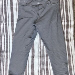 American Eagle Outfitters Pants - American Eagle Cropped compression Leggings